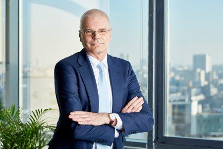 """Și eu mă vaccinez! Henk Paardekooper (First Bank): """"Este timpul să dăm dovadă de înțelepciune. Acum avem un instrument de a lupta împotriva acestei pandemii, soluție la care anul trecut puteam doar spera. Personal, mă voi vaccina, de îndată ce acest lucru va fi posibil"""""""