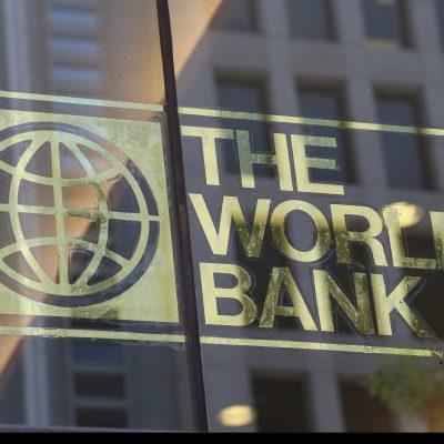 Banca Mondială revizuiește, în jos, estimările privind redresarea economiei româneşti în 2021. Covid-19, elefantul din cameră