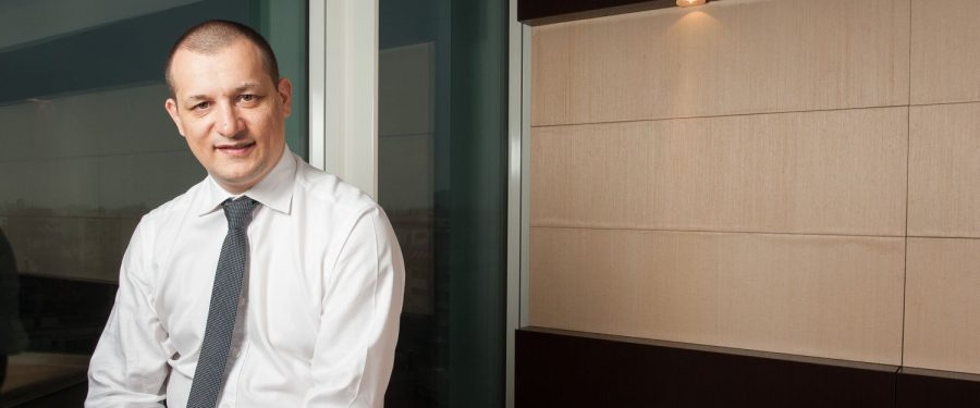 """Cristian Sporiș, Raiffeisen Bank, interviu despre creditarea afacerilor în pandemie: """"Evaluăm atent felul în care acționariatul companiei este implicat real și direct în proiect, inclusiv financiar. Vedem potențial în destul de multe zone, cum ar fi contrucțiile, logistica, agricultura, industria alimentară, farmaceutică și medicală și IT"""""""