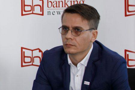 """Cât de digitale sunt cele mai mari bănci din România și cum abordăm digitalizarea fără să o transformăm într-un promotor al excluziunii financiare? Un răspuns ar putea fi observația unui bancher dedicat fenomenului: """"Mai întâi bancarizare, apoi digitalizare!"""""""