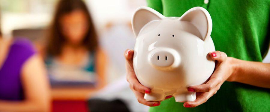 PREMIERĂ de la BCR: Școala de Bani lansează un proiect-pilot adresat profesorilor din întreaga țară, prin care noțiunile de educație financiară pot fi predate în cadrul materiilor studiate la școală: matematică, română, istorie sau geografie
