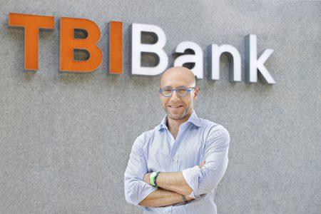 TBI Bank încheie un parteneriat cu Onfido și reduce timpul de înregistrare a clienților noi cu 67%. Petr Baron, CEO: Acum este cel mai bun moment să automatizăm toate canalele noastre de înregistrare online pentru a oferi clienților o experiență digitală pe care o pot parcurge singuri