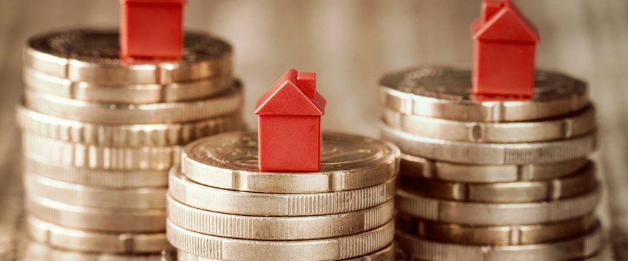 Cum așteptările privind redresarea economică sunt modeste, cei mai mulți români pun bani deoparte. Doar 9% vor să-şi cumpere o locuinţă, însă și mai putini vor accesa un credit nou