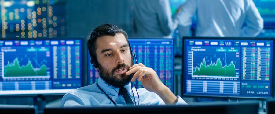 Volatilitatea cursului de schimb valutar provoacă pierderi companiei dumneavoastră? Aflați cum puteți controla riscurile cu ajutorul soluțiilor AKCENTA