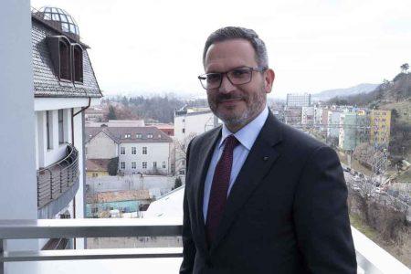 BT devine partenerul oficial al Federației Române de Fotbal. Omer Tetik: Banca Transilvania se implică în fotbal, dar de fapt nu ne implicăm doar în fotbal, ci investim în viitor, în naţionalele U21