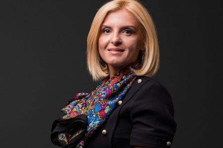 OTP Bank lansează aplicatia OTP POSibil. Roxana Hidan: Este o aplicație digitală inovatoare, creată special pentru cei care vor să încaseze plățile din mers, direct pe telefonul lor mobil, într-un mod sigur și rapid