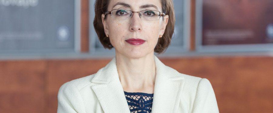 Cornelia Dumitrescu, Alpha Bank România, explică de ce putem fi optimiști cu privire la depășirea incertitudinilor generate de pandemie. Care sunt principalii indicatori pe care trebuie să-i urmărească periodic românii din perspectiva unui bancher de risc