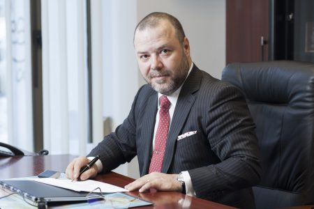"""Florin Dănescu explică de ce CSALB este o soluție pentru românii nemulțumiți de bănci: """"O procedură care mizează pe evitarea conflictului. Față de un proces în instanță, concilierea evită situația în care o soluție este dezavantajoasă pentru una dintre părți. Practic, totul se finalizează cu o împăcare"""""""
