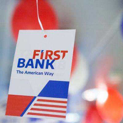 La First Bank, microîntreprinderile și PFA-urile își pot deschide un cont curent 100% online prin video banking