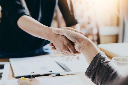 FintechOS primește o investiție de 60 milioane de dolari pentru a-și consolida pozitia în Europa și Marea Britanie și pentru a susține dezvoltarea internațională în Asia-Pacific, Orientul Mijlociu, Africa și America de Nord