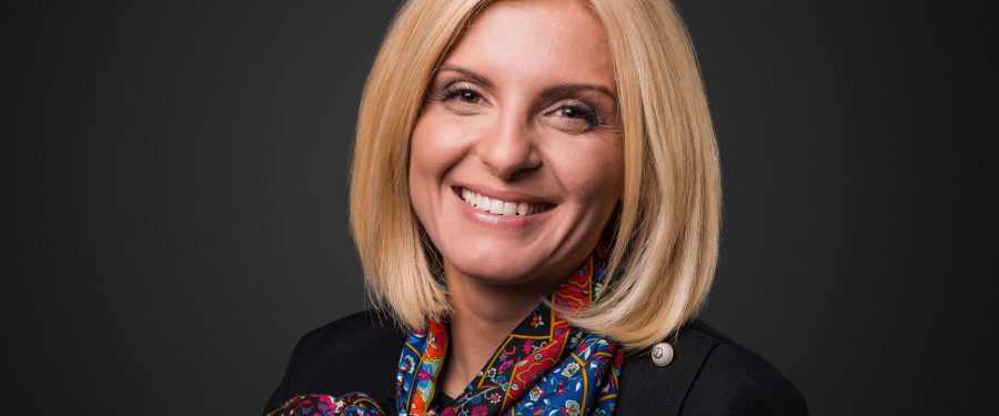 """Roxana Hidan (OTP Bank), interviu despre cum a influențat pandemia felul în care se face banking în România: """"Stimulată, în primul rând de nevoie, iar apoi de dovada utilității și eficienței, adopția bankingului digital a trecut în 2020 prin perioada de convingere și fidelizare"""""""