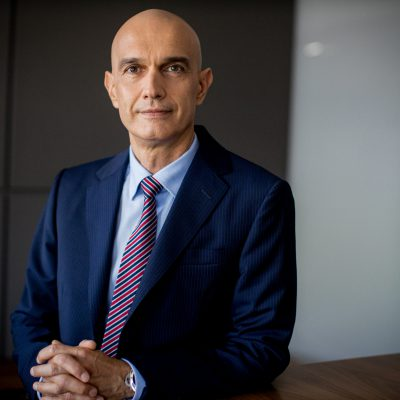 """Vladimir Kalinov, Raiffeisen Bank: """"Amânarea ratelor nu este o piedică pentru găsirea unor noi soluții pentru clienți, prin negociere. Băncile sunt interesate să găsească rezolvări, iar clienții pot apela la CSALB unde pot avea o discuție foarte profesională cu specialiștii independenți, cu conciliatorii"""""""