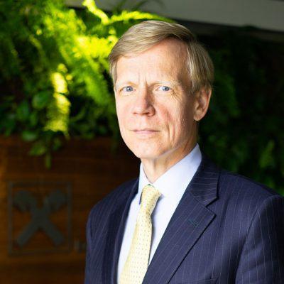 """Raiffeisen Bank a obținut un profit de aproape 200 milioane de lei în primele trei luni din 2021, cu peste 40% mai mare. Steven van Groningen: """"Ne-am concentrat eforturile pentru sprijinirea relansării economice, prin oferirea de soluții financiare potrivite nevoilor clienților și economiei reale"""""""