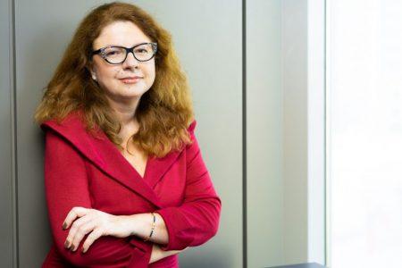 Raiffeisen Bank lansează BAC-ul Financiar pe platforma Money Bistro. Corina Vasile: am decis ca Luna Sănătății Financiare din acest an să o dedicăm tinerilor și vom merge în comunitățile de pe TikTok, unde vom aduce teme relevante pentru sănătatea financiară
