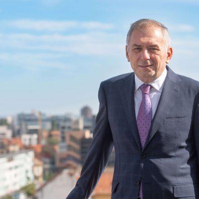 """Șoc pe piața bancară! Banca Transilvania cumpără Idea::Bank pentru 43 de milioane de euro. Horia Ciorcilă: """"Dacă celelalte achiziţii au fost pentru a consolida business-ul BT, aceasta face parte din strategia de a continua lansarea de iniţiative de banking online"""""""