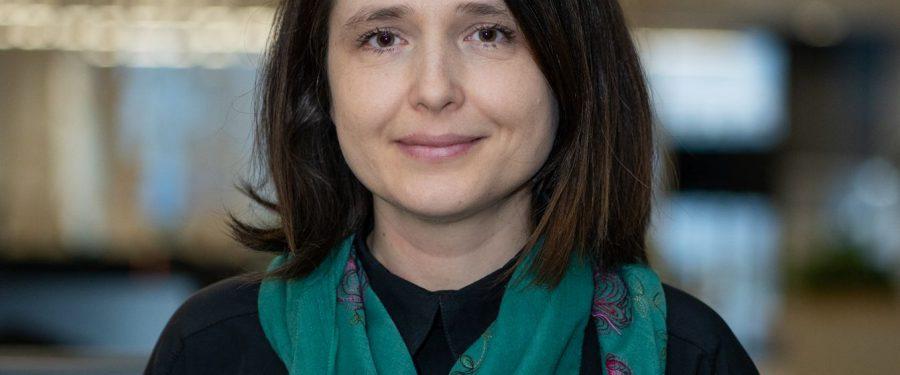 """Roxana Cristea, ING Bank: """"A fost o perioadă în care încrederea dintre clienți și bănci a fost zdruncinată și CSALB a contribuit foarte mult la reașezarea dialogului între cele două părți. Zilele trecute mă gândeam că ar fi foarte bine dacă un astfel de Centru ar exista și pentru alte industrii"""""""