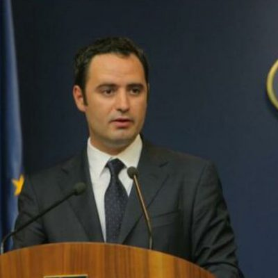 Ministerul Finanţelor continuă şi în luna iunie emisiunile de titluri de stat. Alexandru Nazare: Titlurile de stat emise în cadrul programului Tezaur reprezintă, în continuare, o modalitate de economisire avantajoasă pentru populaţie
