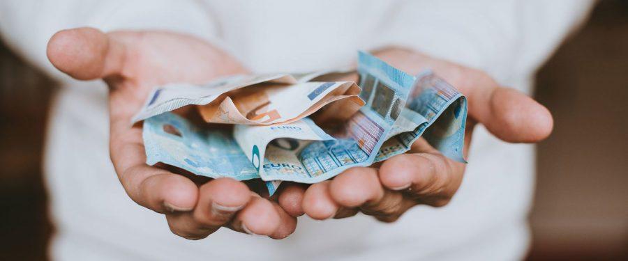 De ce sunt importanți banii cash și cum contribuie ei la incluziune și educație financiară. Fabio Panetta, BCE: Garantam că numerarul va fi disponibil și acceptat în viitor, chiar dacă lansăm un euro digital