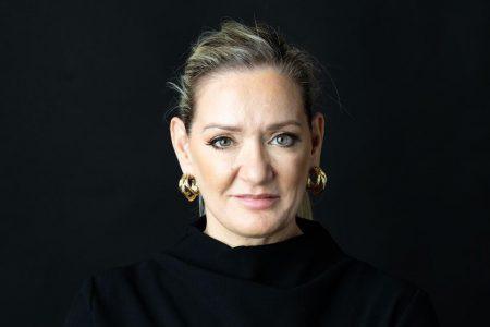 """ING Bank a recrutat-o pe Eleni Skoura de la BCR pentru a conduce activitatea de retail. Mihaela Bîtu: """"Am încredere că experiența sa cuprinzătoare și profilul său special de lider vor contribui la dezvoltarea pe mai departe a băncii noastre"""""""