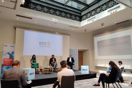 BCR Social Finance lansează produse de finanțare pentru educație, recalificare și reconversie profesională destinate companiilor, ONG-urilor și studenților. Ștefan Buciuc: Avem șansa de a diminua diferențele educaționale și de a sprijini oamenii să dezvolte abilitățile necesare pentru a gestiona evoluția digitală pe care o trăim