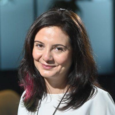 """Interviu despre secretele sănătății financiare. Nicoleta Deliu-Pașol, BCR: """"Dacă toată copilăria ai auzit """"nu avem bani"""", o să fie foarte greu ca tu să ajungi să spui """"am destui bani"""", pentru că emoția aceea negativă din copilărie este deja parte din tine"""""""