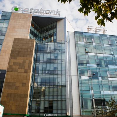 """Euromoney a desemnat OTP Bank """"Cea mai bună bancă din Europa Centrală și de Est"""". Ce strategie adoptă banca în România"""