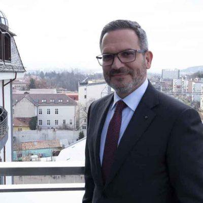 Banca Transilvania, creştere susţinută a finanţărilor, volumului tranzacţiilor şi a operaţiunilor, în primele 6 luni. Ömer Tetik: Suntem banca românilor, procesăm un volum de operaţiuni vital pentru economie şi avem peste 7 milioane de români acţionari direcţi şi indirecţi