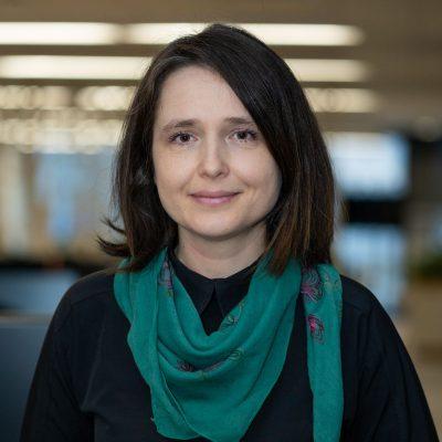 """ING Bank a lansat un credit verde pentru mașini electrice. Roxana Cristea: """"Sustenabilitatea a ieșit de mult timp din sfera """"nice to have"""" a strategiilor corporate. Astăzi este o necesitate!"""""""