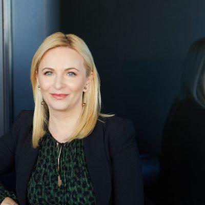 """Andreea Mihnea, First Bank, trage un semnal de alarmă: """"Am observat că mulți profesioniști din banking aleg sau se gândesc să plece din sistemul bancar"""". De ce renunță bancherii la joburile din industria de profil?"""