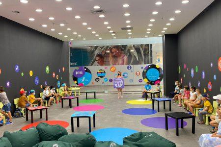 FOTO. Școala de Bani reia atelierele fizice de educație financiară. Atelierele gratuite se vor ține, în premieră, în marile mall-uri din țară