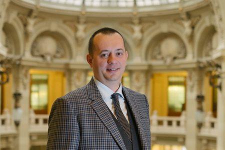 Bogdan Neacșu: Într-o lume tot mai digitală, este firesc ca şi bankingul să devină mai accesibil și mai eficient. CEC Bank lansează pachetele de cont curent 100% digitale pentru persoanele juridice IMM și PFA-uri