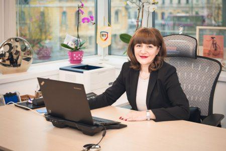 """Cardul STAR Forte de la Banca Transilvania poate fi obţinut 100% online, în doar câteva minute. Gabriela Nistor: """"Avem ambiţii mari în ceea ce priveşte transformarea digitală a băncii"""""""