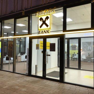 """Protecția Comsumatorilor propune, în premieră, suspensarea activității de restructuarea a creditelor Raiffeisen Bank. Reacția băncii: """"Considerăm că ordinul nu este o măsură necesară, pentru că vizează o practică ce în prezent nu mai există. Nu va exista un impact asupra activitatii curente"""""""